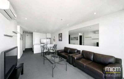 Village Docklands: 6th Floor -  Spacious Two Bedroom Apartment with Stunning Views!