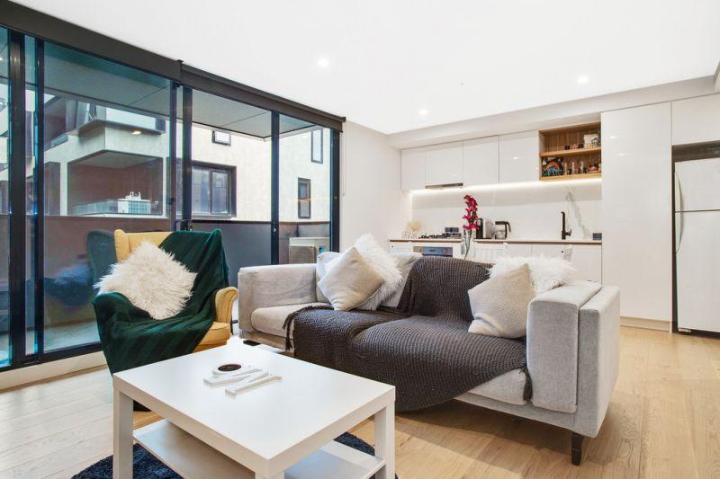 Stylish Two Storey Urban Sanctuary - Entry Via Jersey Street