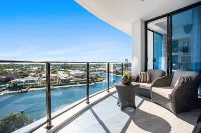 Stunning 3 Bedroom North Facing Apartment with Panoramic Water Views!!