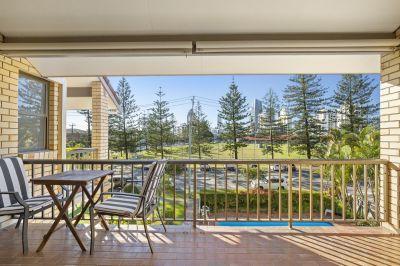 Spacious Apartment with Fantastic Views