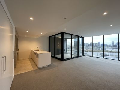 Contemporary lifestyle living in the Yarra's Edge 'Voyager' tower