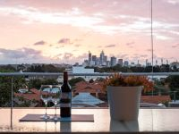 BREATHTAKING CITY VIEWS IN BURSWOOD