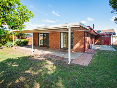 SINGLE LEVEL HOME IN EXCELLENT LOCATION