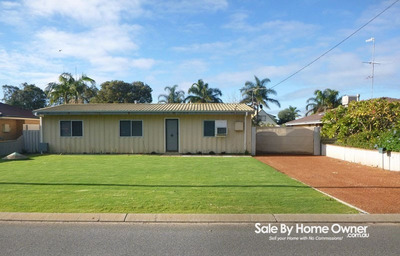3 Bedroom 1 Bathroom Home in Falcon - walking distance from the Beach & Estuary with Humongous shed
