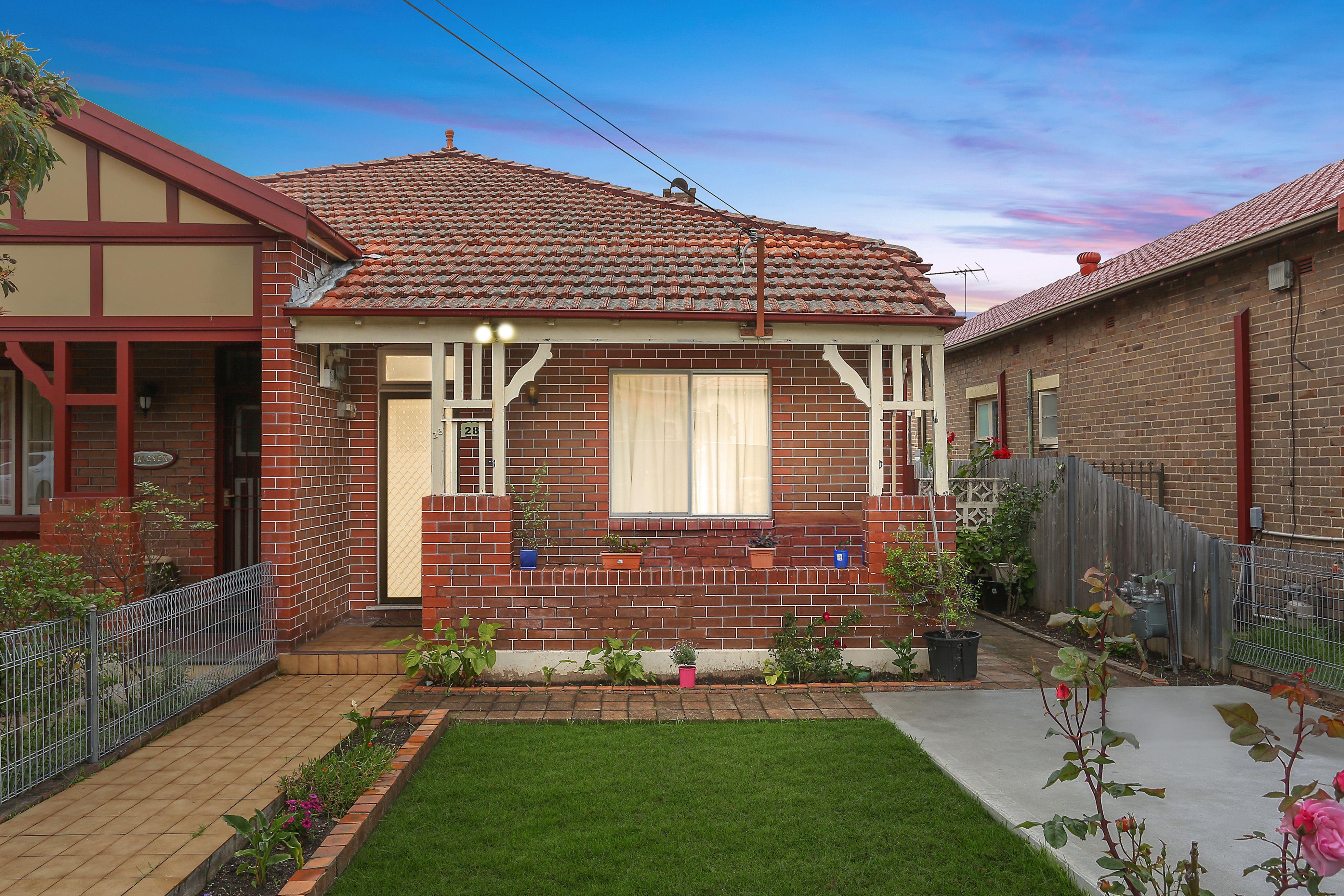 28 Weldon Street, Burwood NSW 2134