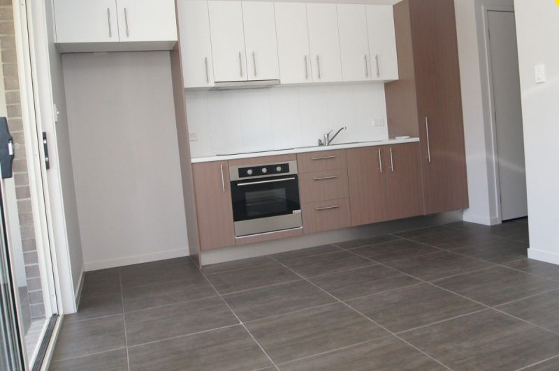 PERFECTLY LOCATED 2 BEDROOM DUPLEX