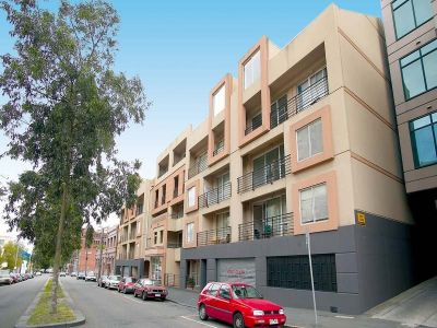 Flagstaff Square - Stunning Inner City Apartment!
