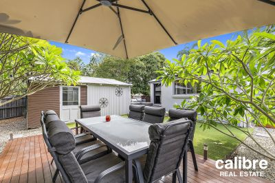 Walk down to Blackwood Street Cafe Precinct. Close to everything you could want. Spacious Bedrooms with lovely outdoor spaces.