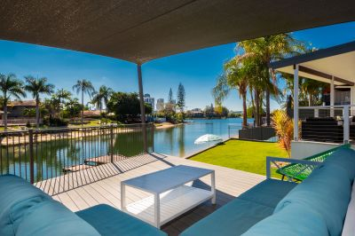 NORTH FACING LARGE FAMILY WATERFRONT
