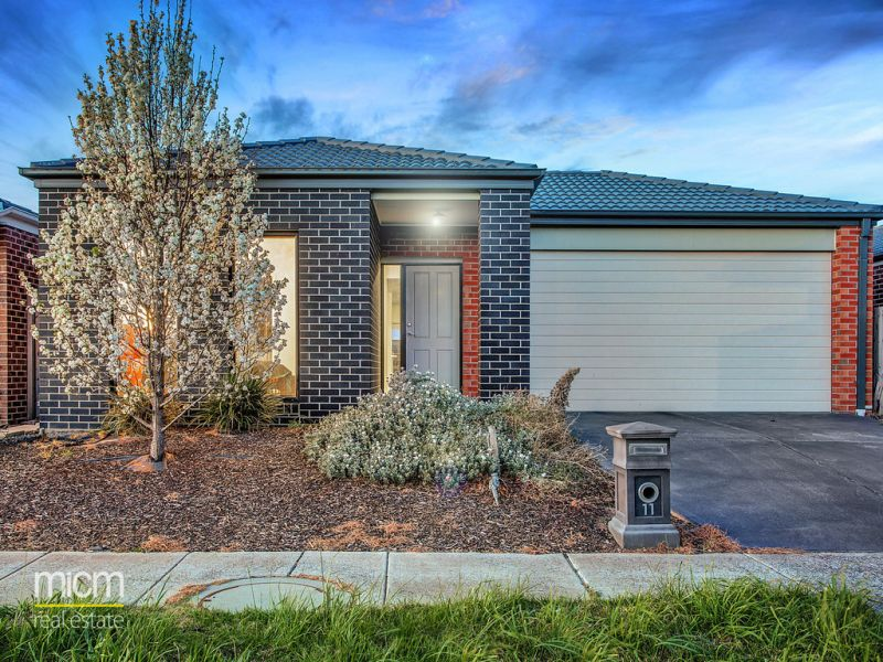 Easy Care Featherbrook Estate Living with Alamanda School Zone