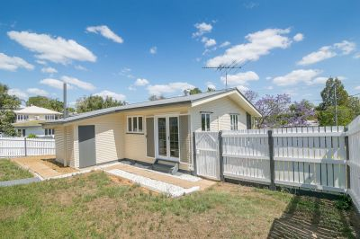 STYLISH RENOVATION + SHED IN SUPER CONVENIENT LOCATION!!