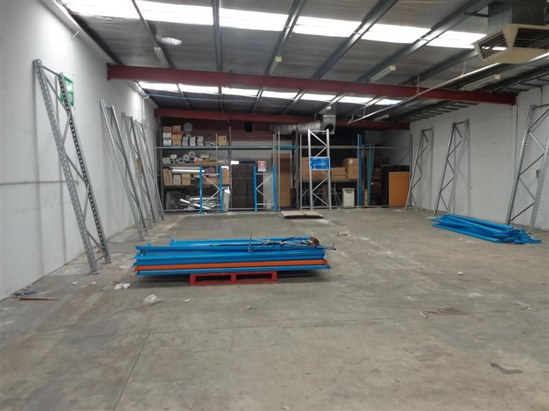 Showroom / Warehouse - Unbelievable Incentives