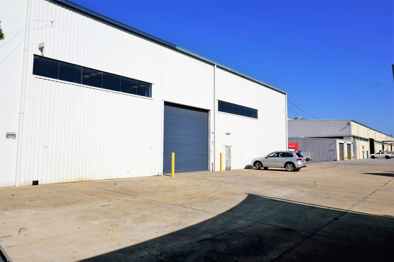 For Lease: NEED HEIGHT? 1,193sqm* INDUSTRIAL FACILITY WITH HARDSTAND