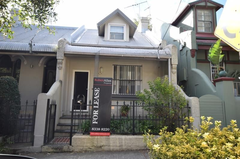 Beautifully Renovated 3 Bedroom Terrace for Lease; Close to the City