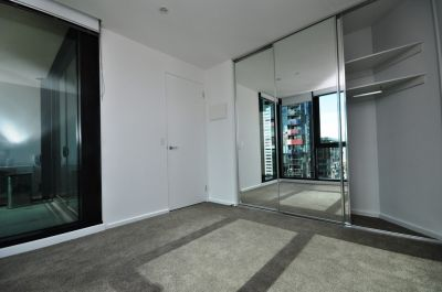 Melbourne ONE: Stunning and Spacious Two Bedroom Apartment!