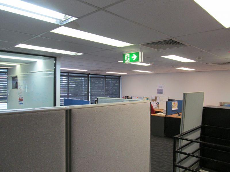 390sqm* Woolloongabba Corporate Office/Warehouse