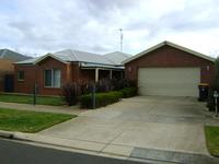 18 Canowindra Way Leopold, Vic