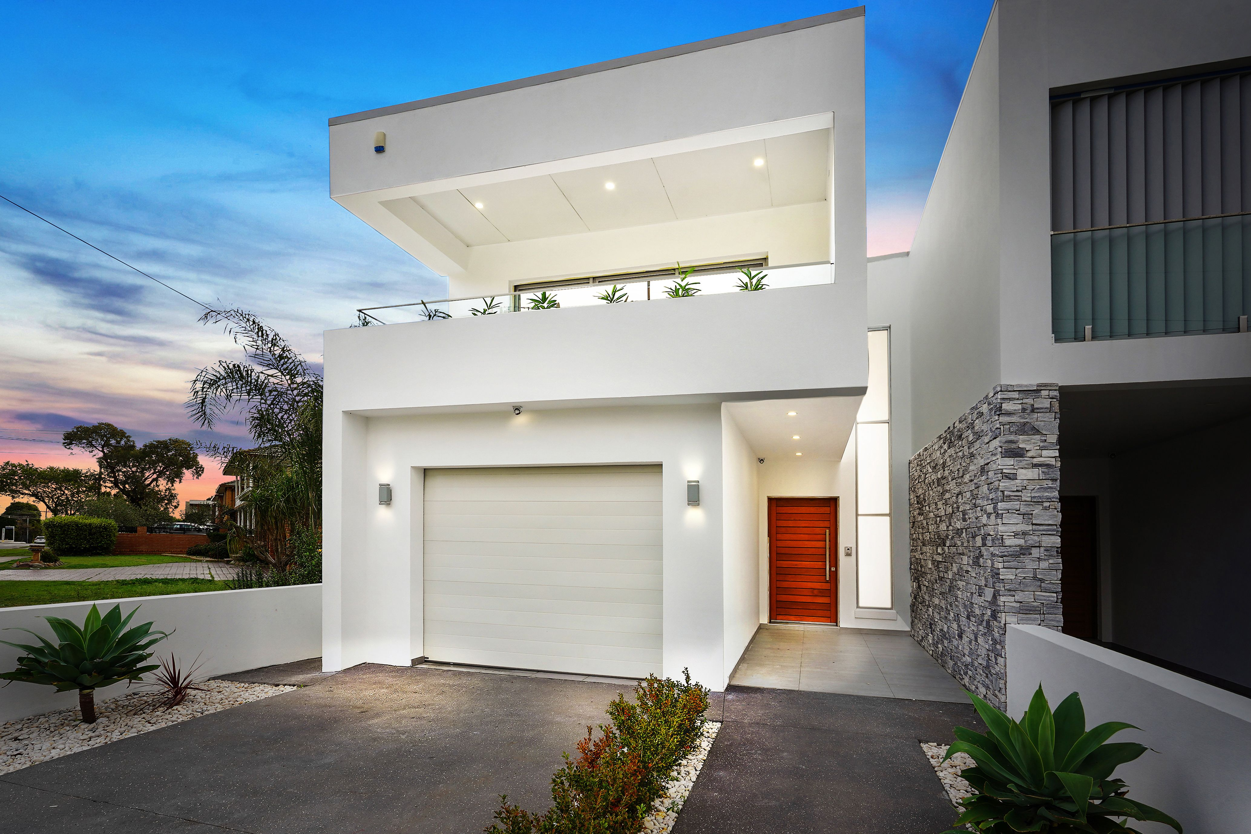 16 Rex Road, Georges Hall NSW 2198