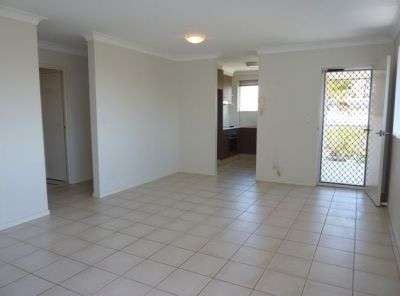 GREAT LOCATION- 2 BEDROOM APARTMENT
