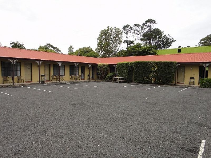 Motel freehold in a beautiful coastal town.