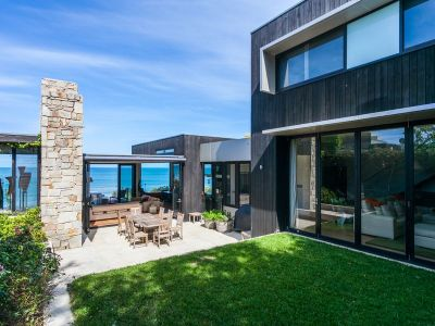PRIVATE HAVEN ON LORNE'S FRONT ROW