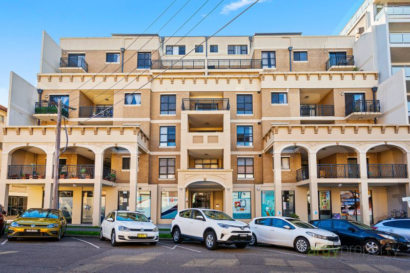 SUITS TENANTS LOOKING FOR SHORT TERM LEASE 3 MONTHS