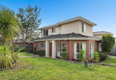 1/25 Golden Grove, Glen Waverley