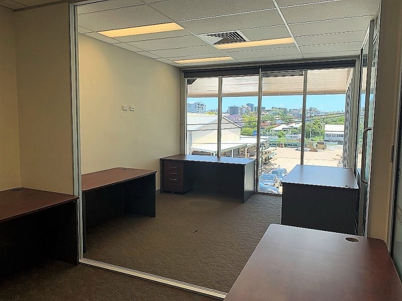 293SQM* OF EXECUTIVE OFFICE / SHOWROOM IN EAST BRISBANE'S COMMERCIAL HUB