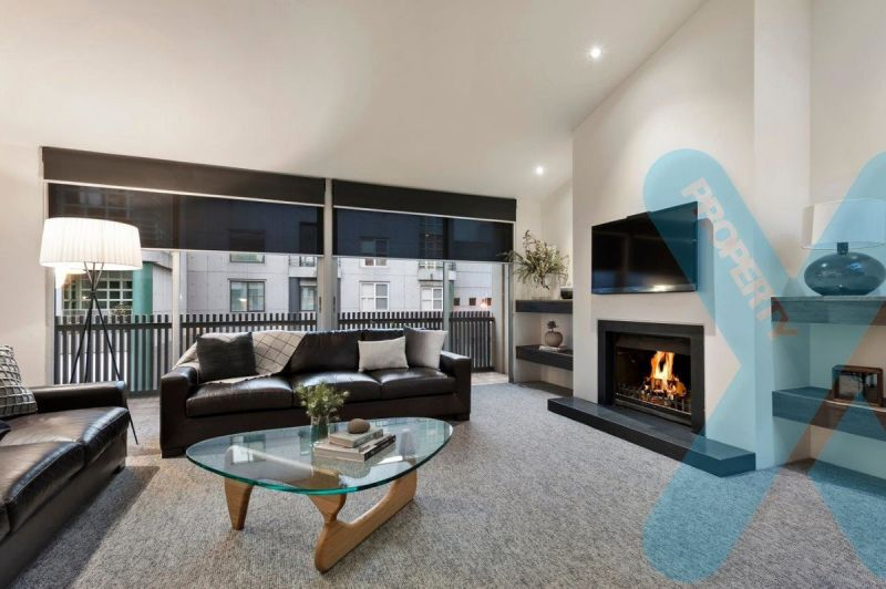 Melbourne's Rare Townhouse Furnished to Perfection