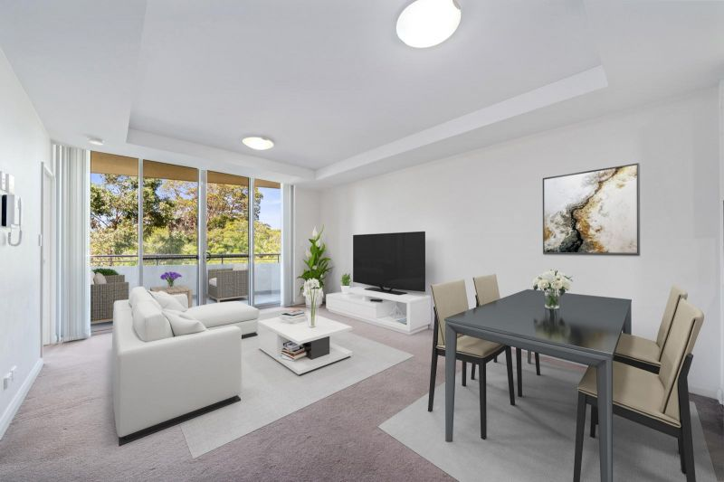 Spacious and Sophisticated One Bedroom Apartment + Study - Minutes Walk to Rail