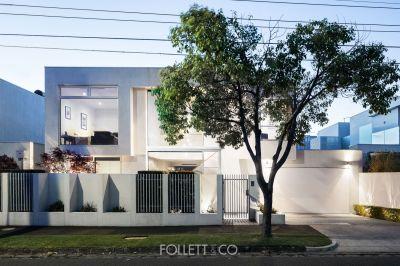 Light, Luxury & Endlessly Adaptable Poolside Living