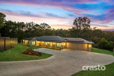 Almost 50sqs, Near New Steel Frame Home on over half an acre