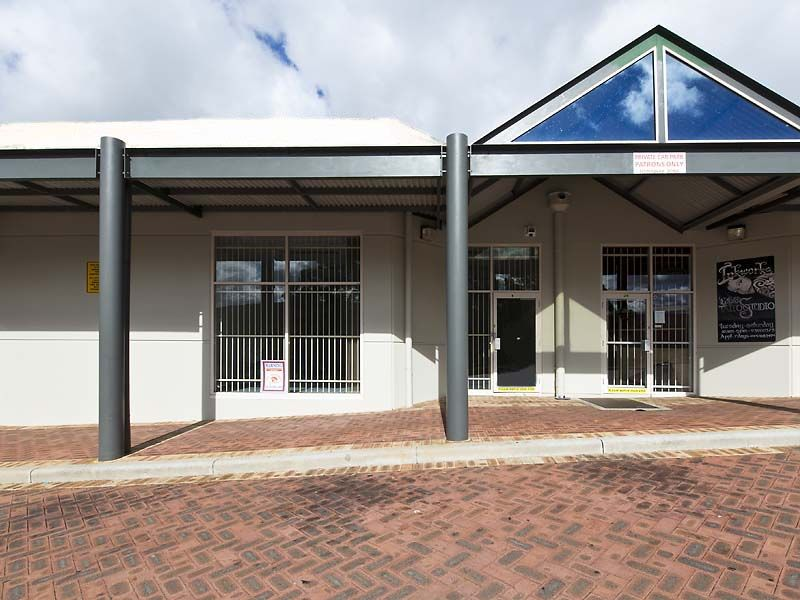 SALE OR LEASE - OFFICE/ RETAIL