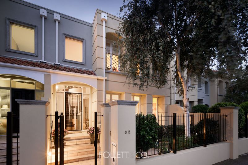 Harmony And Elegance In A Rarely Offered Parkside Package
