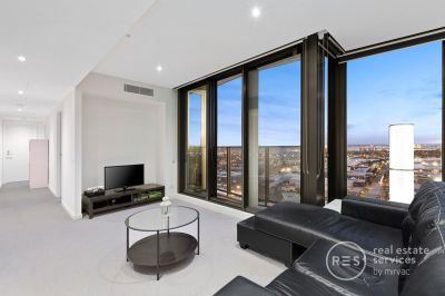 Bay Views and Free-Flowing Docklands Living