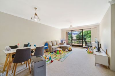 Two bedroom apartment in the leafy Carlingford
