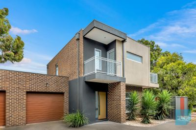 Spacious, Modern & Low Maintenance In A Brilliant Locale
