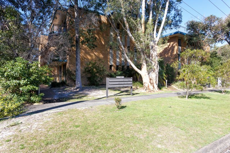 IDEALLY LOCATED -2 Bedroom Apartment