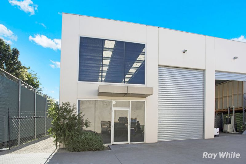 IMMACULATE WAREHOUSE IN STRATEGIC LOCATION