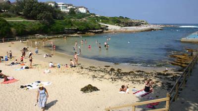 Pet Friendly Flat Close to Beach - DEPOSIT TAKEN