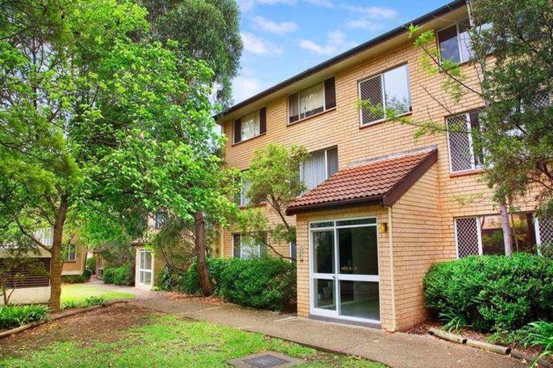 CENTRALLY LOCATED APARTMENT WITH DOUBLE GARAGE