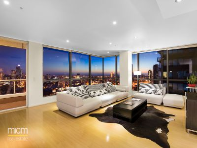 Prestigious Southbank Living in Century Tower
