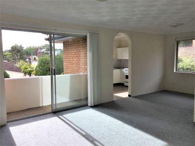Upgraded Spacious Apartment - Convenient Randwick Location