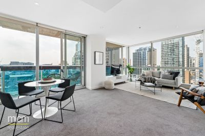 Spacious and Sunlit Entertainer Reveals Stunning City Views
