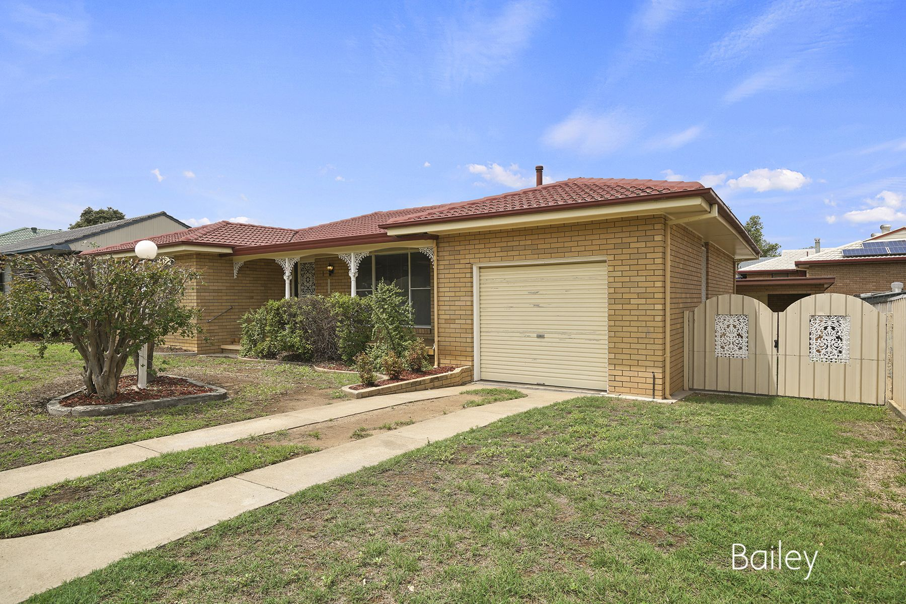 1 Woodward Avenue, Singleton