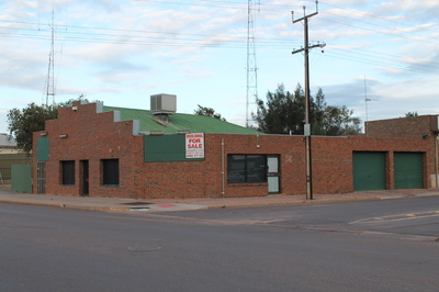 Commercial residential shop front building 3 bedroom adjoining residence