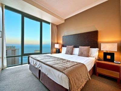 Auction 2 Bedrooms Under $200,000!