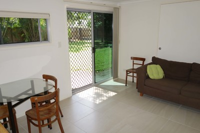 EDGE HILL, partly-furnished apartment