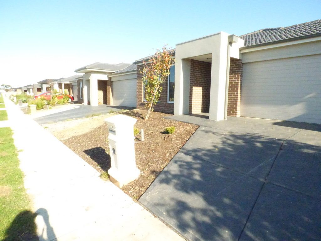 FIRST CLASS TENANT WANTED! Stunning Near New Home In Saltwater Estate!
