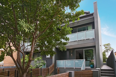 Massive Townhouse - Last Chance Auction this Saturday at 1pm !